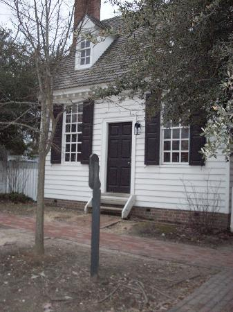 Colonial Houses-Colonial Williamsburg: Brick House shop