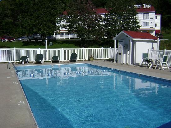 BEST WESTERN Freeport Inn: refreshing outdoor pool