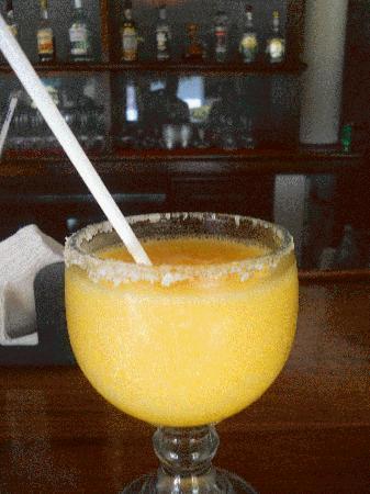 Casa Iguana Hotel: Mango Margarita!
