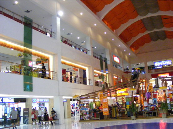 Discovery Shopping Mall: Shop spree