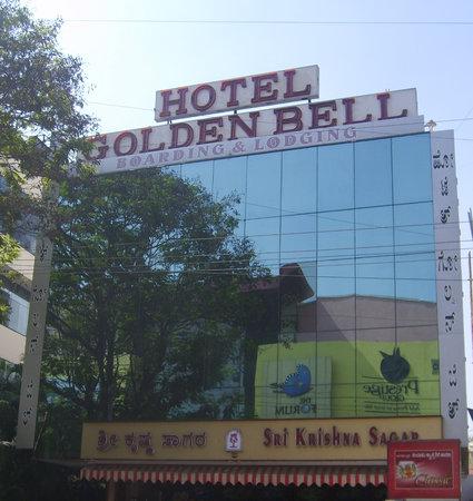 Golden Bell Hotel