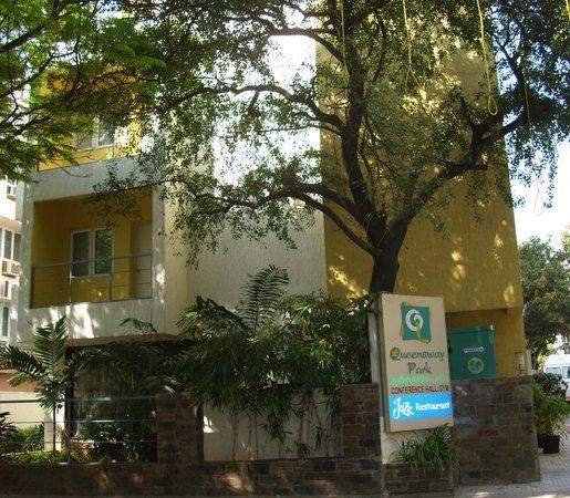 FabHotel Queensway T Nagar : Hotel Queensway Park
