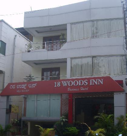 18 Woods Inn
