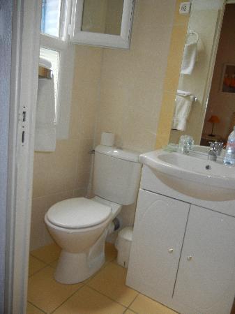 Hotel Boquier: Room 7 Bathroom