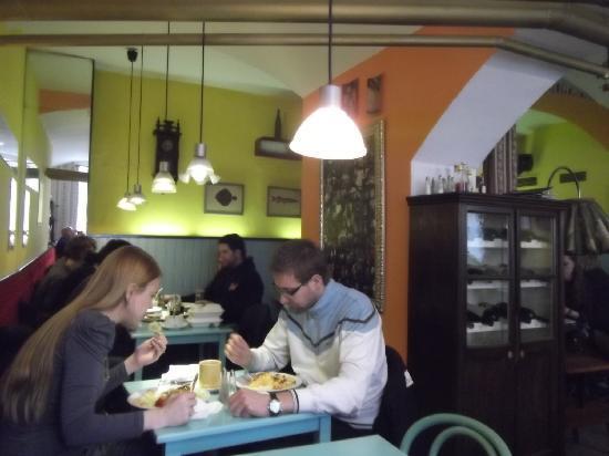 Cafe Verne : Inside