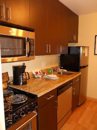 TownePlace Suites Sacramento Roseville: Kitchen