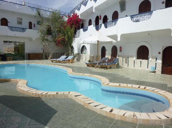 Dahab Plaza Hotel: the crowded pool!