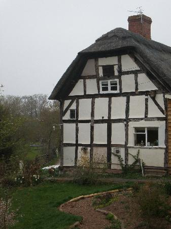 The Steppes Bed & Breakfast: The end of the original house, which is very old indeed