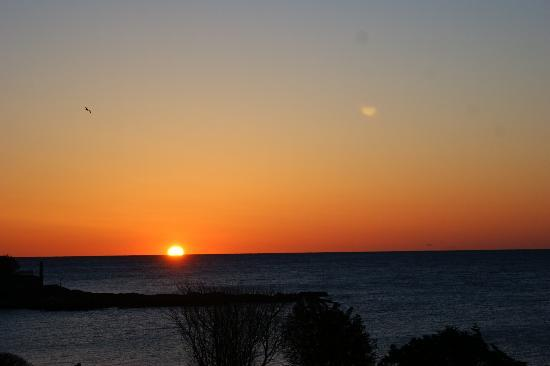 Cape Arundel Inn & Resort: Sunrise is so magnificent.