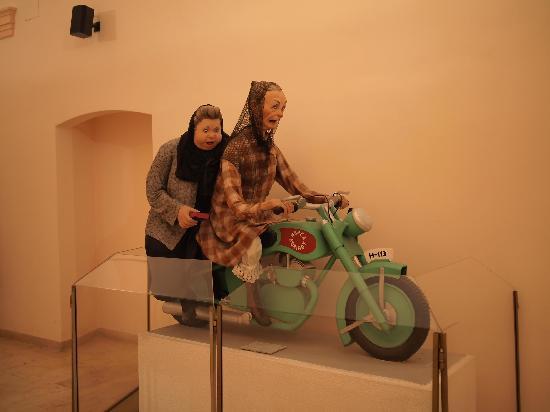 Museo de las Fallas: Figurine 1