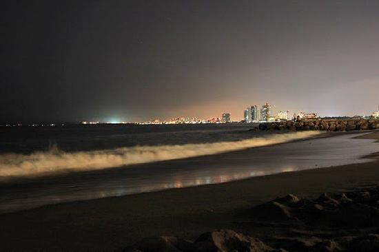 Buenaventura Grand Hotel & Great Moments All Inclusive: Night view from beach