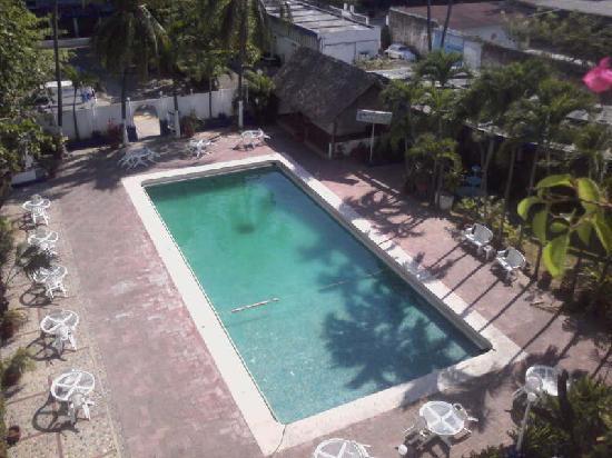 أوتو هوتل ريتز: Vista de habitacion 407 4to. piso a zona de alberca