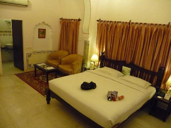 Khandela Haveli: Room