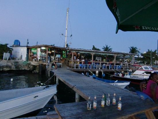 Club Arias B&B: nearby Zeerover (Fisherman's Bar)