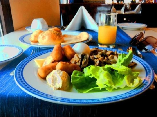 InterContinental Dar Al Tawhid: breakfast