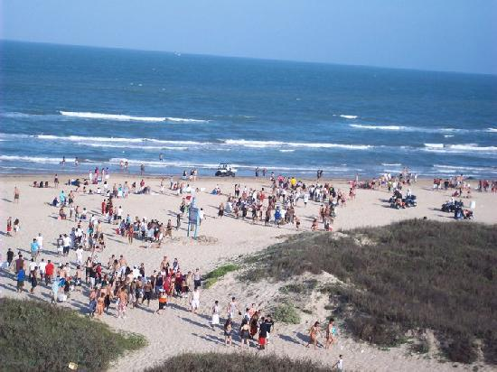 Padre South Hotel: view from balcony of beach during texas week