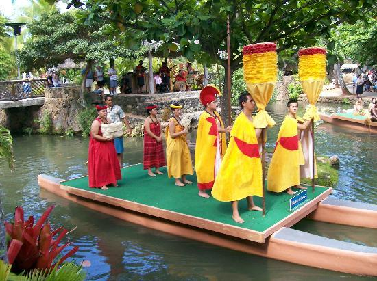 Polynesian Cultural Center: Canoe Show from each country