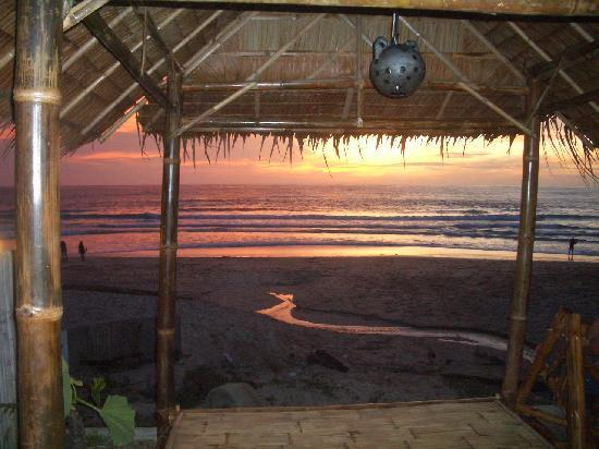 Sunmar Inn Patong: Beach