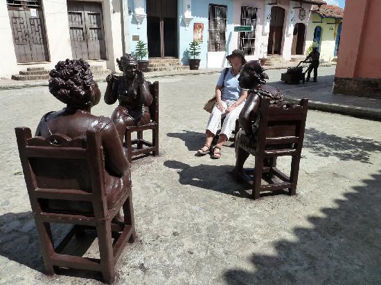 Plaza del Carmen: Schwatzende Frauen