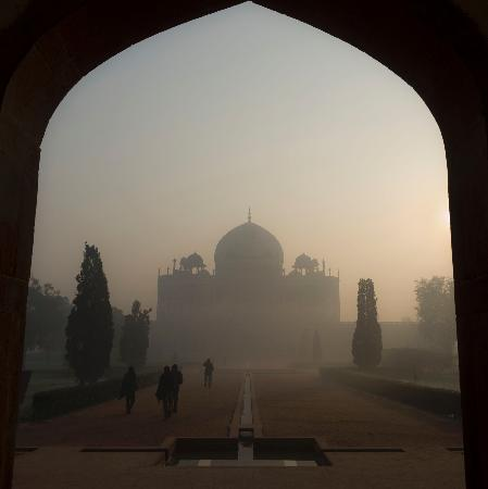 Makam Humayun: Sunrise is a great time to visit.