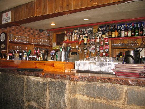 Johnnie Fox's Pub: Die Bar