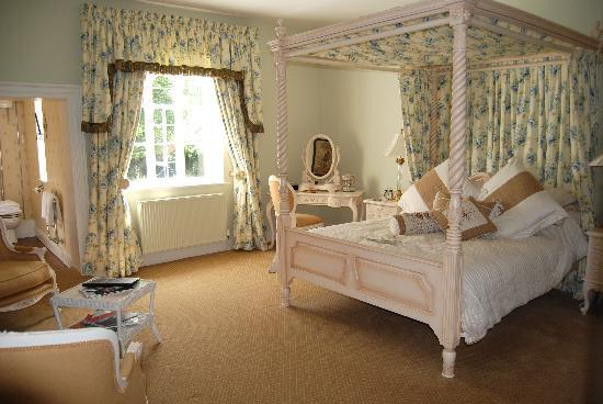 Pentre Mawr Country House: Superior four poster room