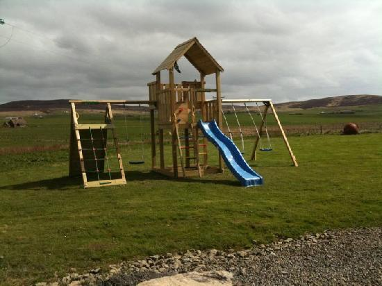 Buxa Farm Chalets & Croft House: Play set is a real hit with the kids