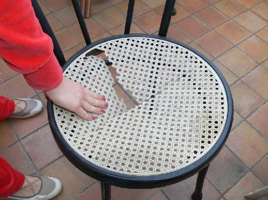 Hotel Henry: Stuhl auf der Terasse