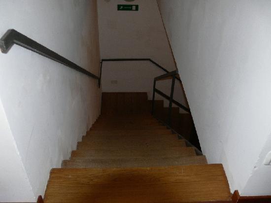 Hotel Henry: Stiege zur 3. Etage
