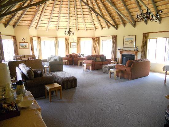 Montusi Mountain Lodge: The swimming pool