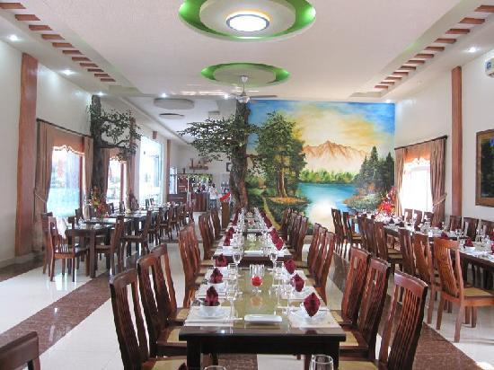 Chau Son Hotel: Restaurant