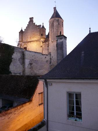 La Maison de l'Argentier du Roy: View from our spiral staircase to Loches Chateau