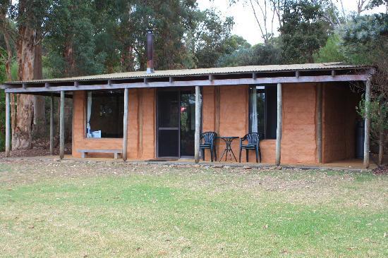 Pump Hill Farm Cottages: our cabin