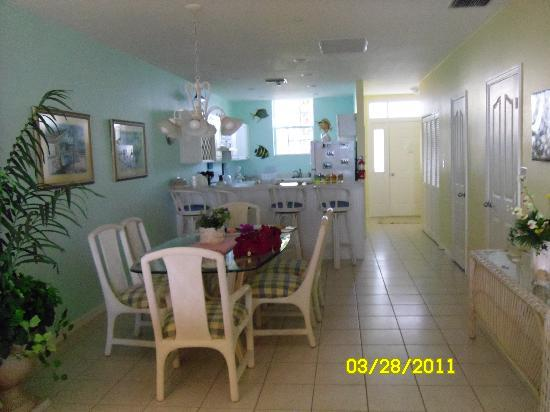 Conch Club Condominiums: kitchen/dining area