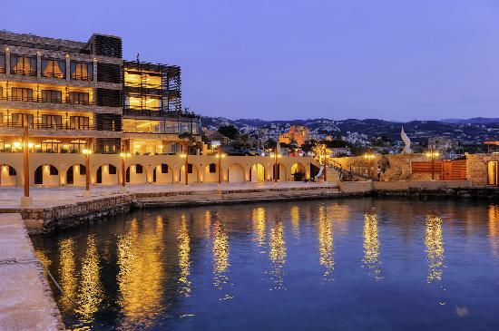 Byblos Sur Mer: Night View