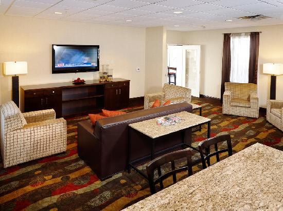 BEST WESTERN PLUS The Inn at King of Prussia: Media Room