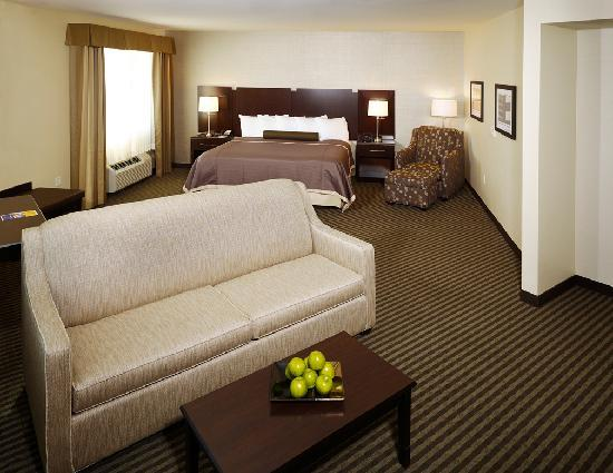 Best Western Plus The Inn at King of Prussia: King Junior Suite