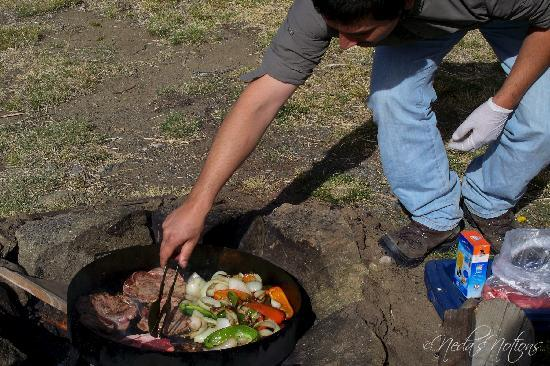Calafate Extremo: Preparing our delicious lunch