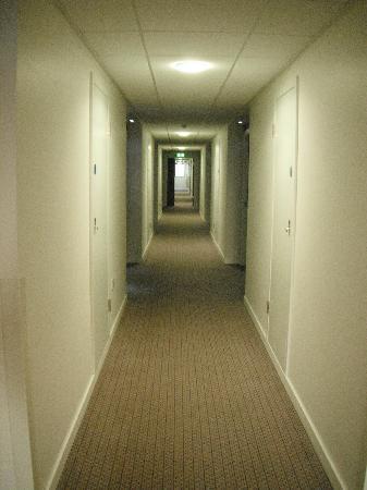 Holiday Inn Express Tamworth: Corridor
