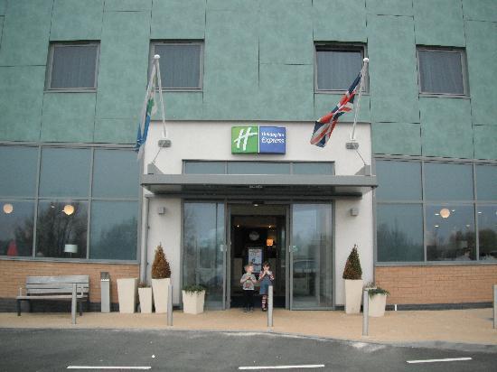 Holiday Inn Express Tamworth: Entrance