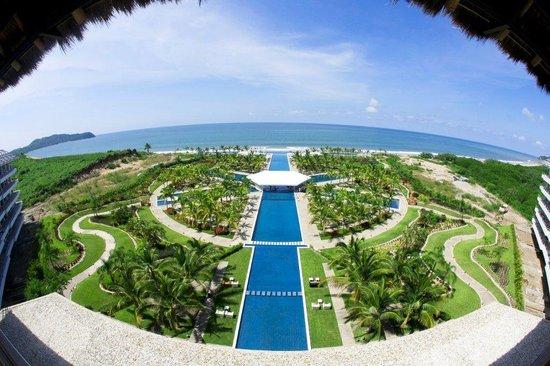 La Tranquila Breathtaking Resort & Spa