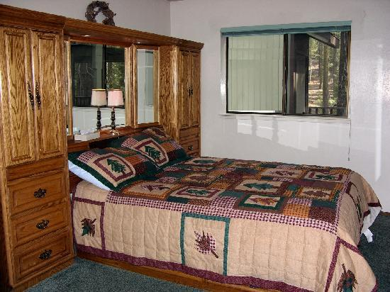 Pinecrest Chalet: Two bedroom