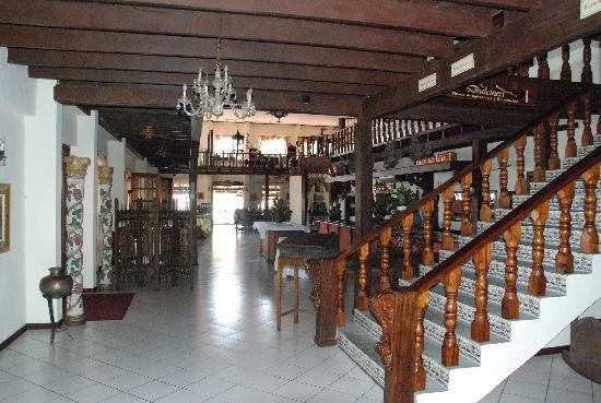 Hotel Parador: Dinning area for one of the restuarants in Hotel