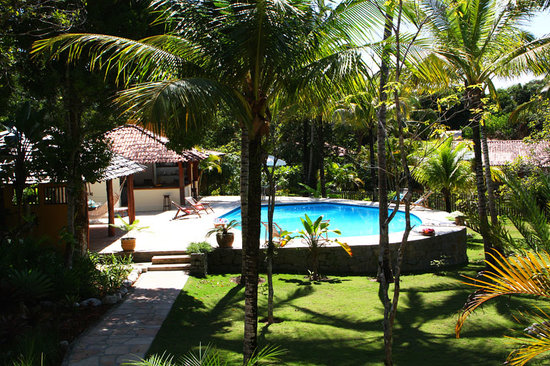 Pousada Jacaranda: swimming pool, bar and lounge