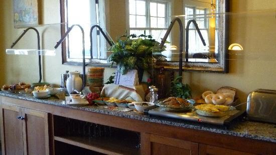 Inn at Sonoma, A Four Sisters Inn: scrumptious breakfast!