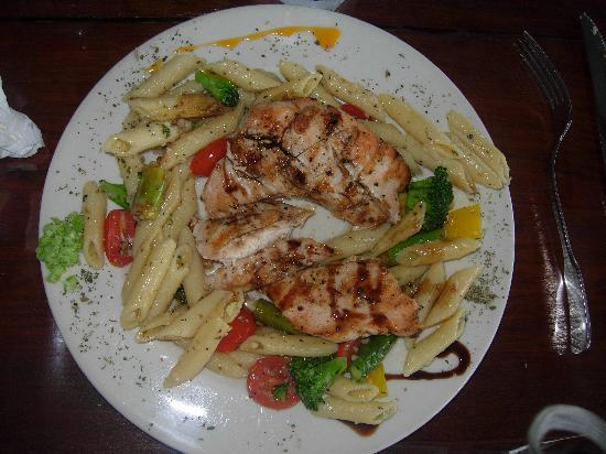 Pasta y Pueblo: Yum ~ Penne Pasta with Chicken