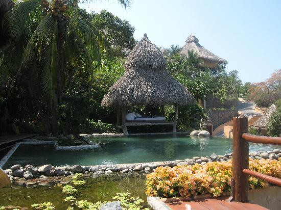 Casa Cuitlateca: Pool and cabana for relaxing.