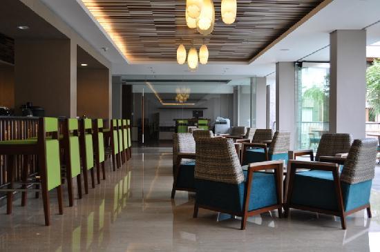 Courtyard by Marriott Bali Nusa Dua Resort : public area and business center