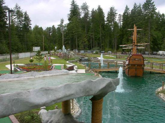 Scotch Creek Family Fun Centre: Water Features