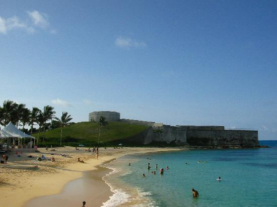 St. Catherine's Beach: St Catherine's Beach and Fort